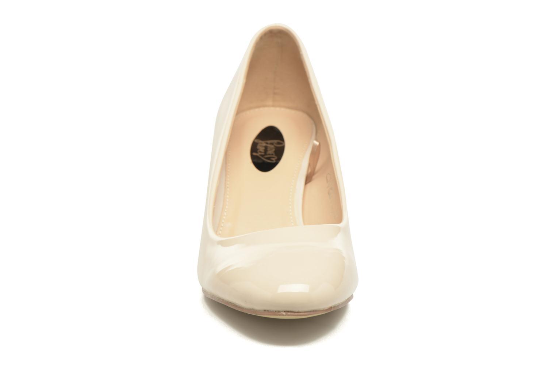 Zapatos de tacón I Love Shoes THATA Size + Beige vista del modelo