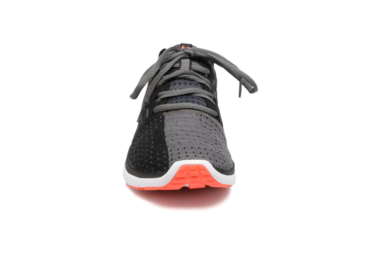 Chaussures de sport Under Armour Slingflex Noir vue portées chaussures