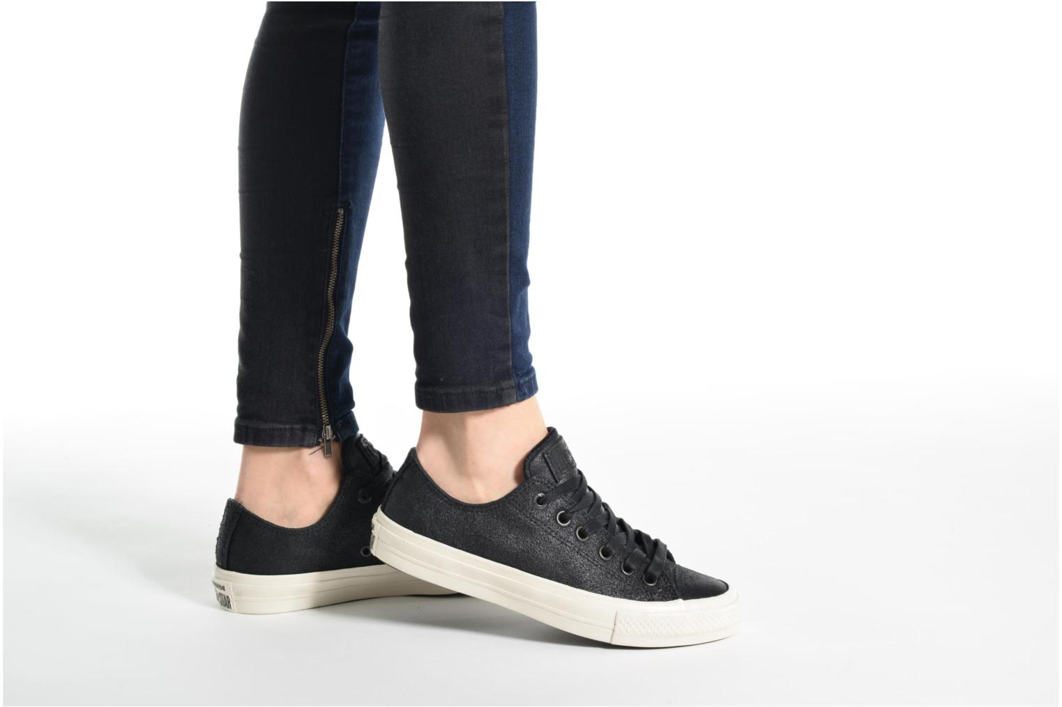 Trainers Converse Converse by John Varvatos Chuck II W Black view from underneath / model view