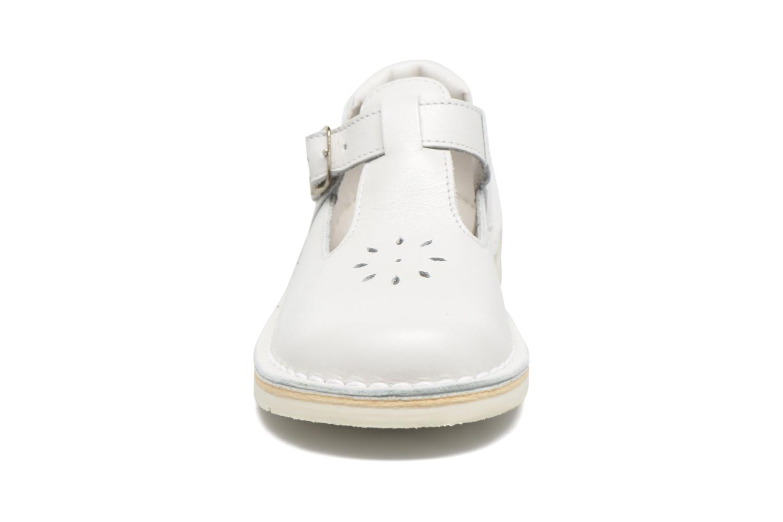 Ballet pumps GBB Knepa White model view