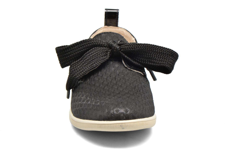Sneakers Armistice Stone One Palace Nero modello indossato