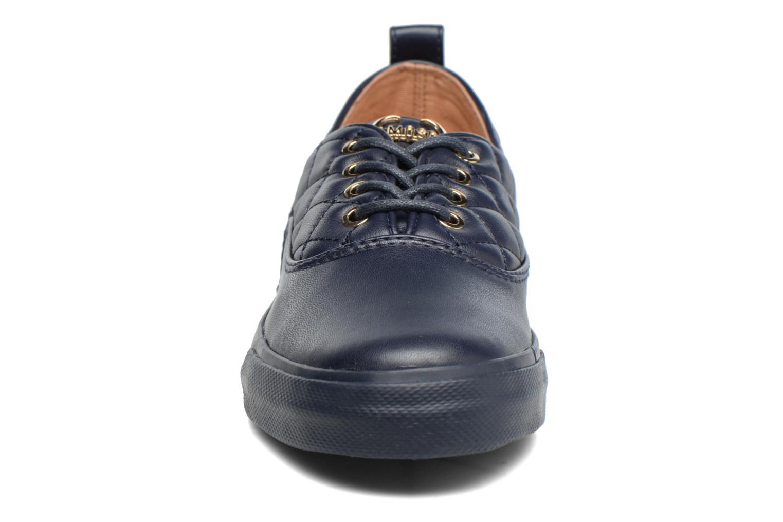 Baskets Love Moschino Superquilted Sneaker Bleu vue portées chaussures