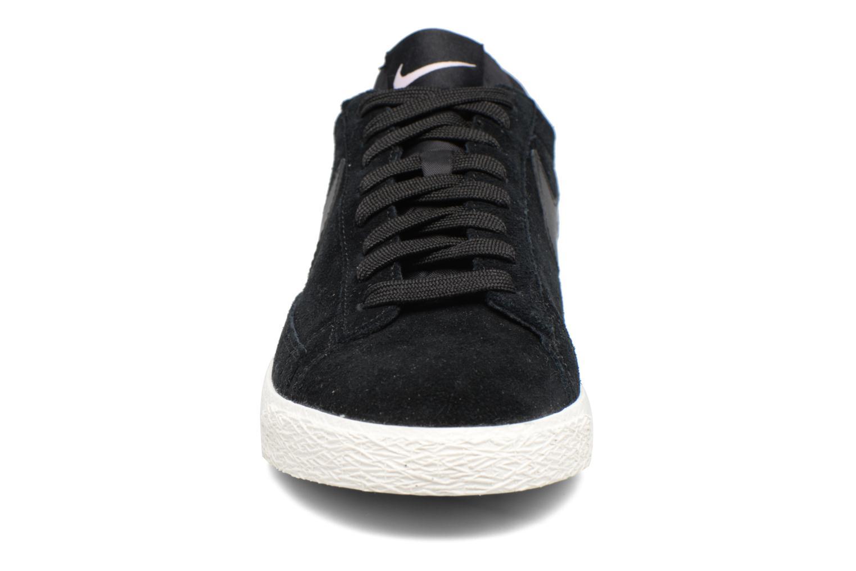 Deportivas Nike Blazer Low Negro vista del modelo