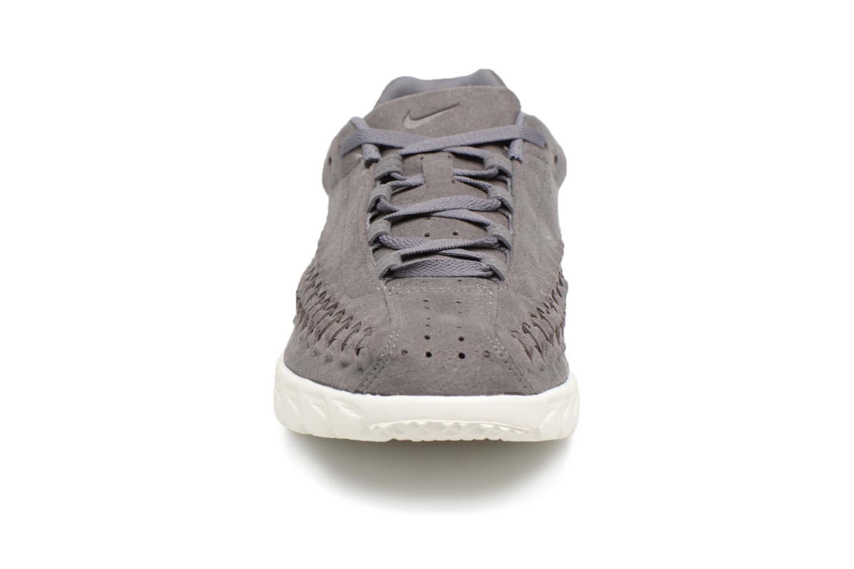 Sneakers Nike Nike Mayfly Woven Grigio modello indossato
