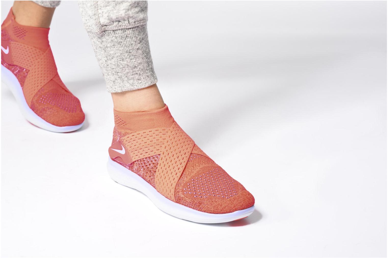 Sportschuhe Nike W Nike Free Rn Motion Fk 2017 rot ansicht von unten / tasche getragen