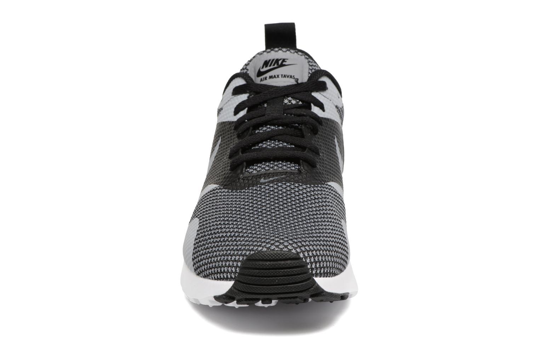 Sneaker Nike Nike Air Max Tavas Prm schwarz schuhe getragen
