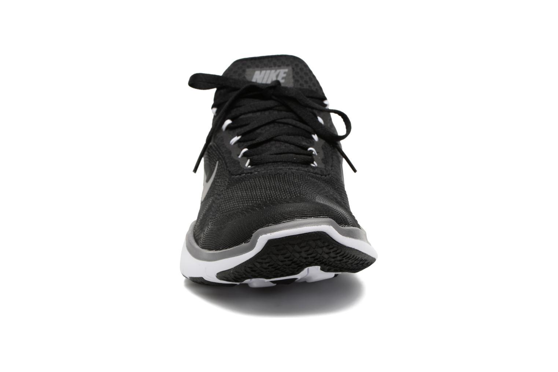 Sportschuhe Nike Nike Free Trainer V7 schwarz schuhe getragen