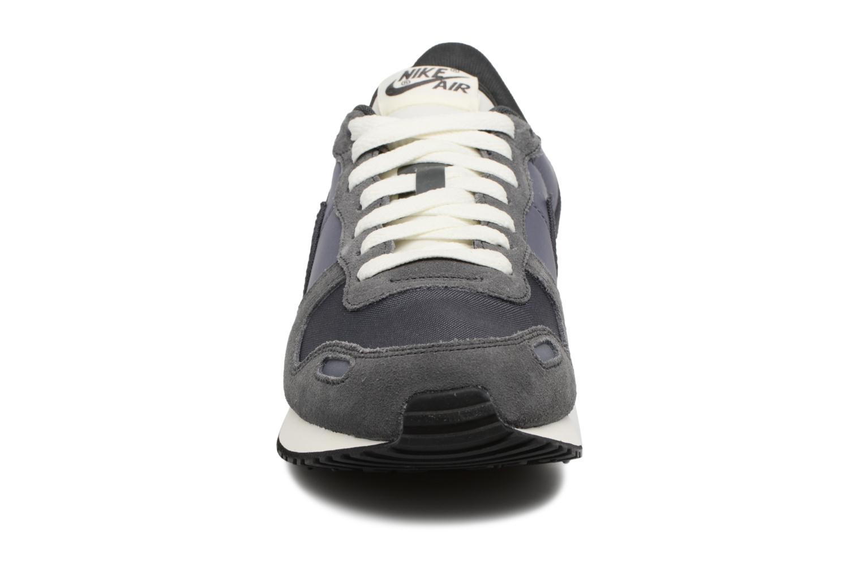 Baskets Nike Nike Air Vrtx Gris vue portées chaussures