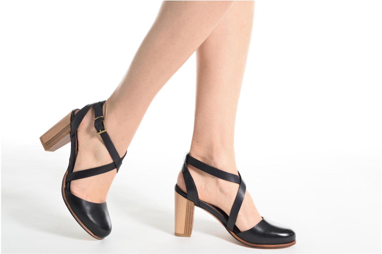 Sandales et nu-pieds Neosens Gloria S195 Marron vue bas / vue portée sac