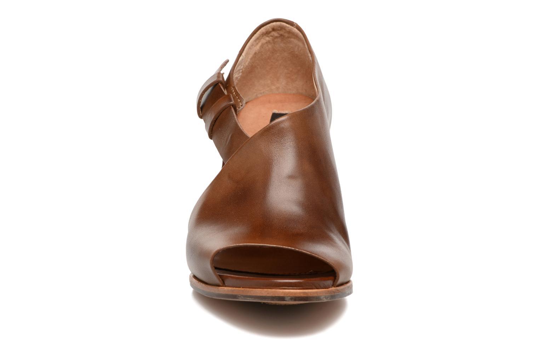 Sandales et nu-pieds Neosens Noah S217 Marron vue portées chaussures
