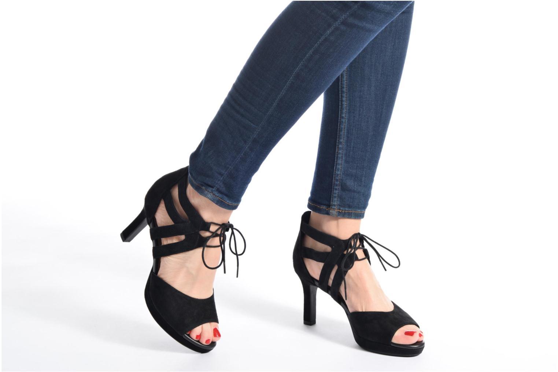 Sandales et nu-pieds Clarks Mayra Ellie Noir vue bas / vue portée sac