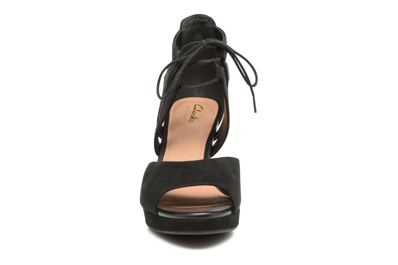 Sandales et nu-pieds Clarks Mayra Ellie Noir vue portées chaussures