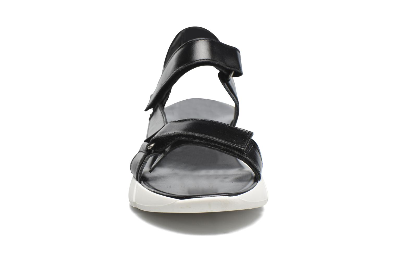 Sandales et nu-pieds Elizabeth Stuart Titien 304 Noir vue portées chaussures