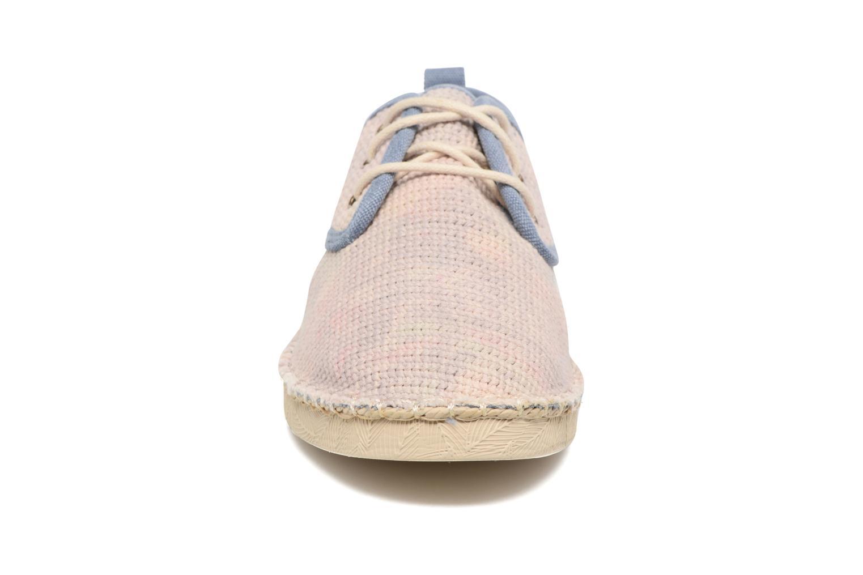 Zapatos con cordones Coolway Trebol Marrón vista del modelo
