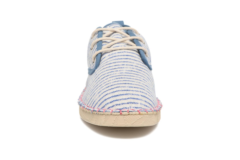 Scarpe con lacci Coolway Trebol Azzurro modello indossato