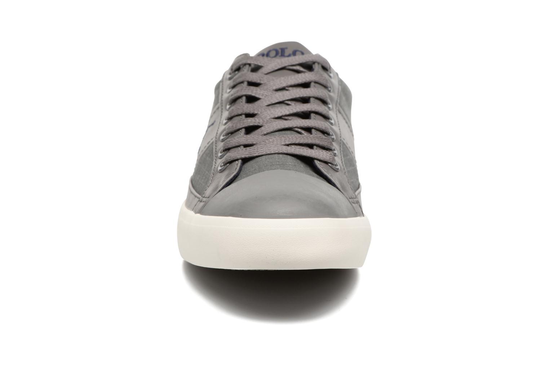 Baskets Polo Ralph Lauren Churston-Ne Gris vue portées chaussures