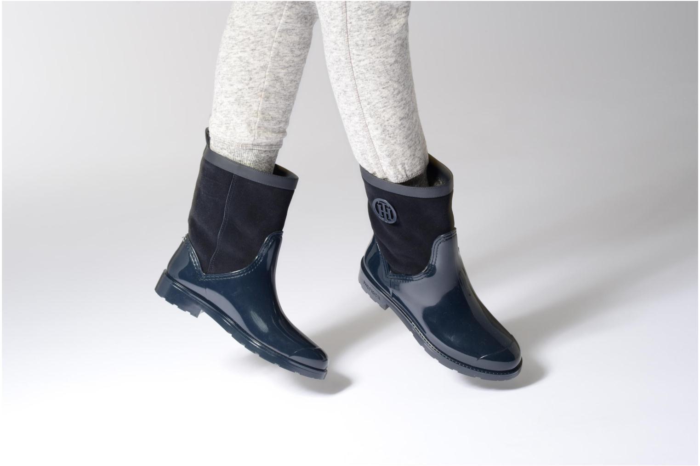 Bottes Tommy Hilfiger Oxford 8RW Bleu vue bas / vue portée sac