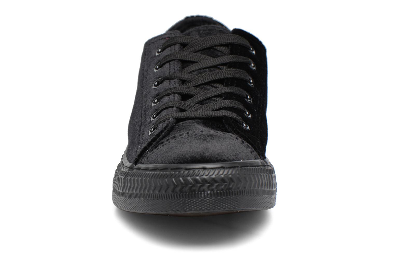 Deportivas I Love Shoes THYSAL Negro vista del modelo