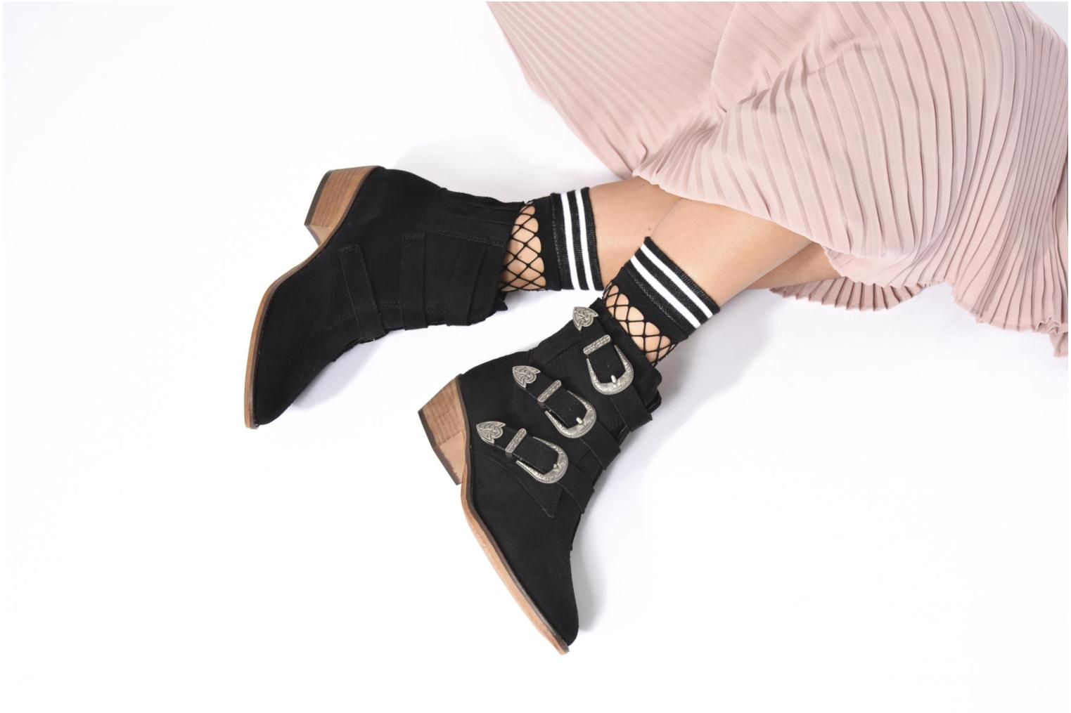 Ankle boots I Love Shoes THERAPI Black view from underneath / model view
