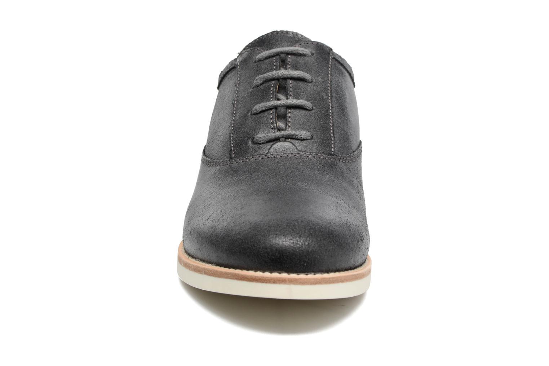 Zapatos con cordones Geox D PROMETHEA B Negro vista del modelo