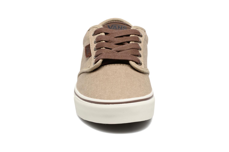 Baskets Vans Atwood Deluxe M Beige vue portées chaussures