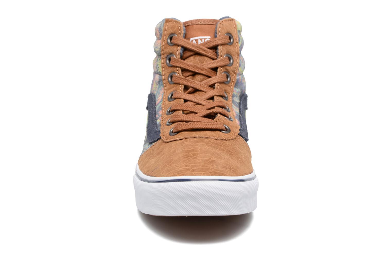 Baskets Vans Milton Hi W Marron vue portées chaussures