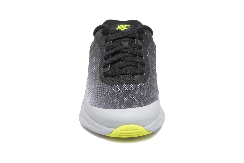 Baskets Nike Nike Air Max Invigor (Ps) Gris vue portées chaussures
