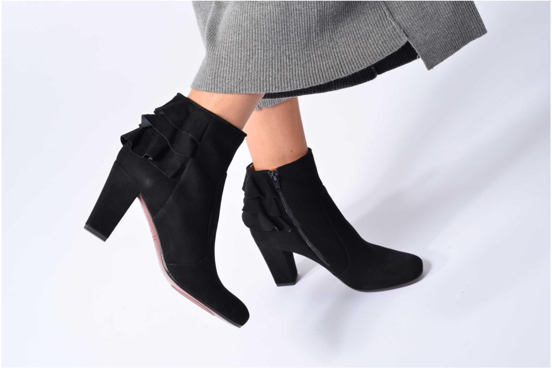 Bottines et boots Chie Mihara Acha Noir vue bas / vue portée sac