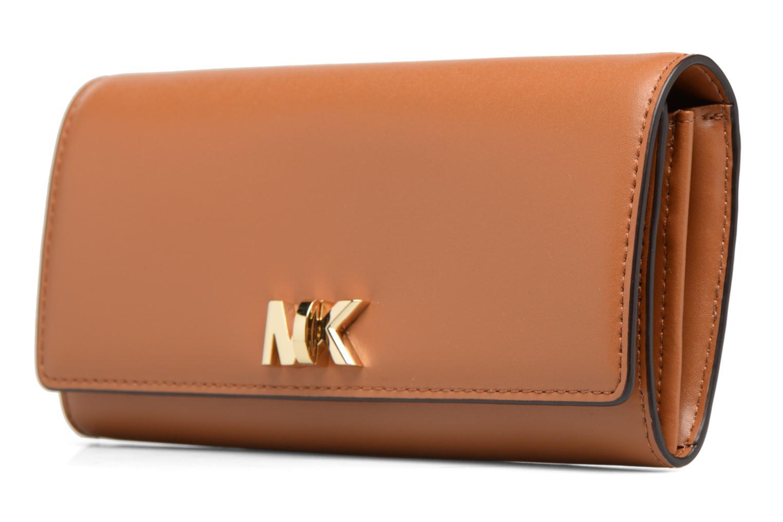 Petite Maroquinerie Michael Michael Kors Motte LG Carryall Marron vue portées chaussures