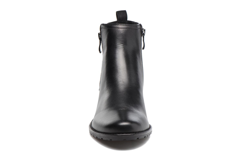 Bottines et boots Caprice Fiona Noir vue portées chaussures