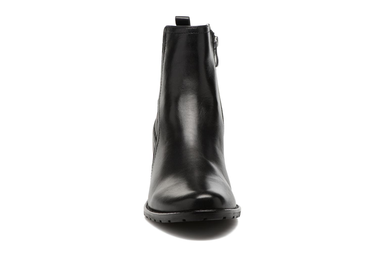 Bottines et boots Caprice Aliana Noir vue portées chaussures