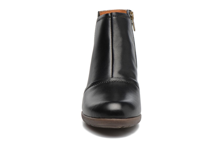 Bottines et boots Pikolinos ROTTERDAM 902-8903 Noir vue portées chaussures