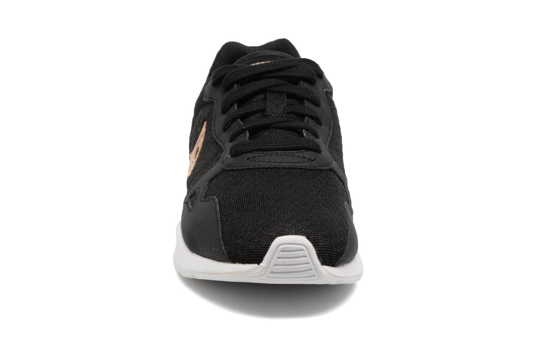 Baskets Le Coq Sportif LCS R 600 GS Noir vue portées chaussures