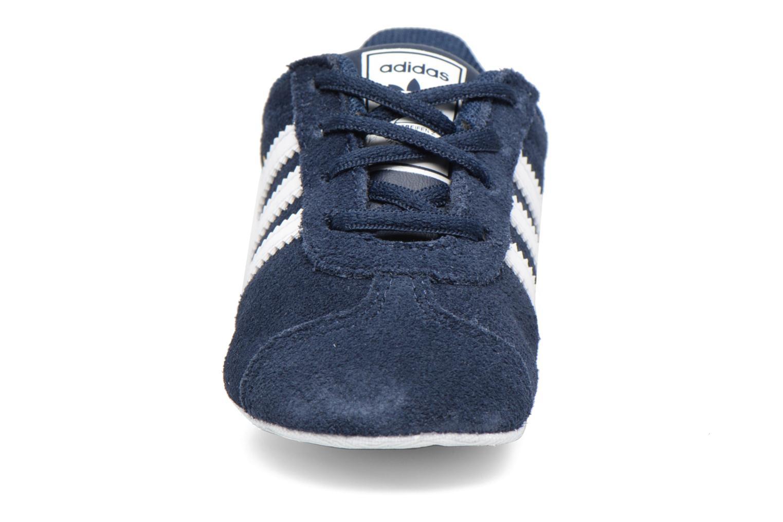 Baskets Adidas Originals Gazelle Crib Bleu vue portées chaussures