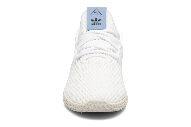 Baskets Adidas Originals Pharrell Williams Tennis Hu J Blanc vue portées chaussures
