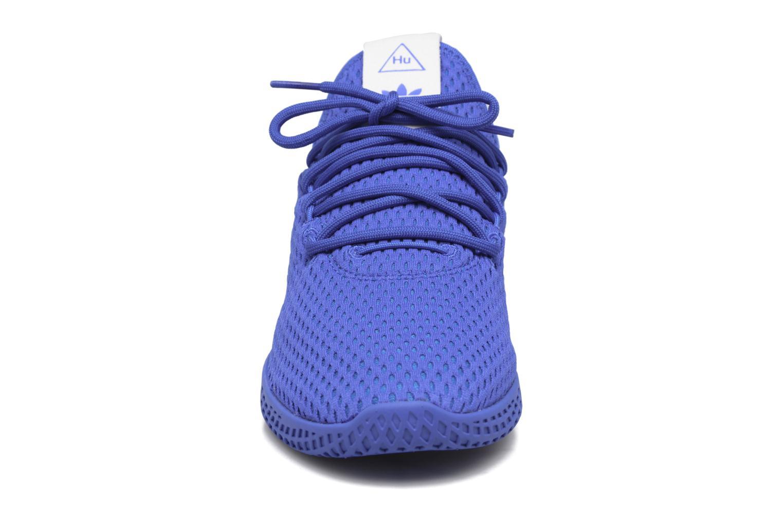 Baskets Adidas Originals Pharrell Williams Tennis Hu J Bleu vue portées chaussures