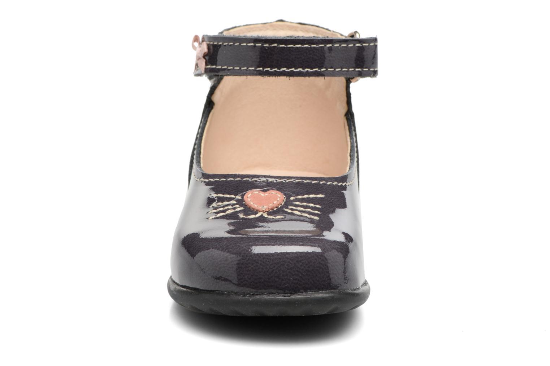 Ballerines Bopy Zovela Gris vue portées chaussures