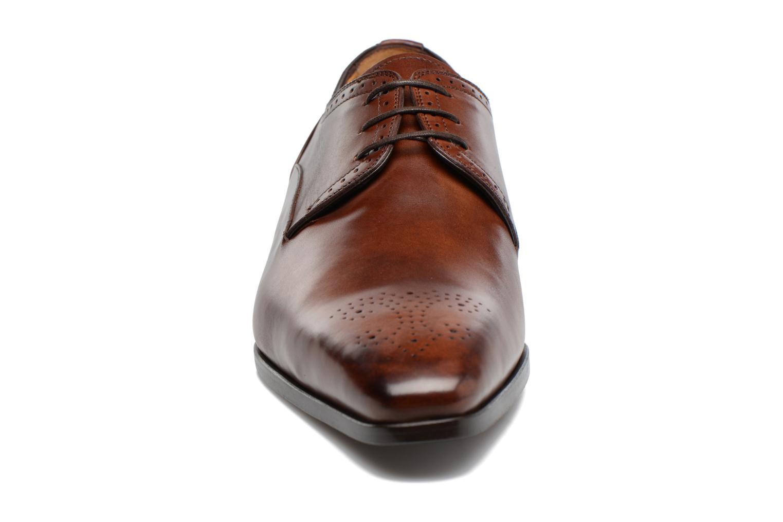 Chaussures à lacets Marvin&Co Luxe Pietu - Cousu Blake Marron vue portées chaussures