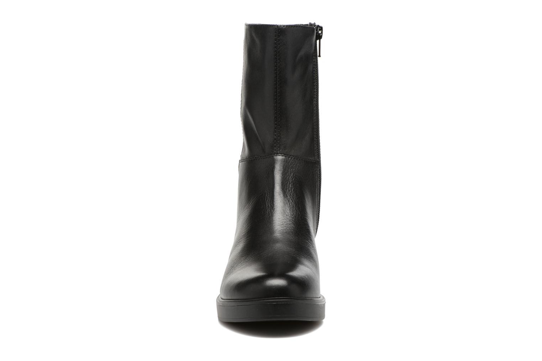 Bottines et boots Vagabond Shoemakers Tilda 4216-101 Noir vue portées chaussures