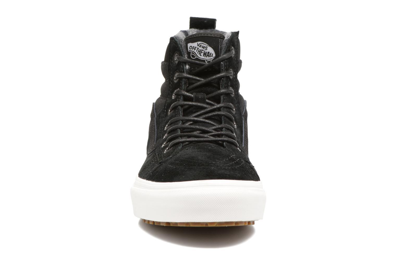 Baskets Vans SK8-Hi MTE DX Noir vue portées chaussures