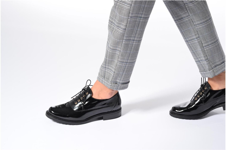 Chaussures à lacets HÖGL Emma Noir vue bas / vue portée sac