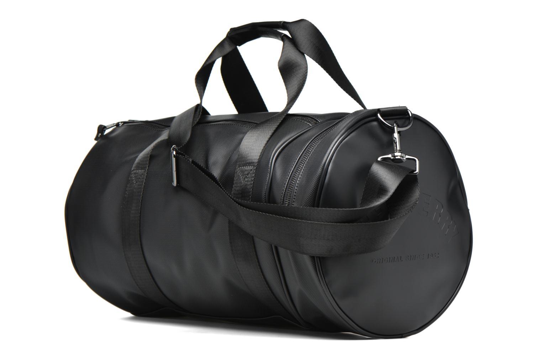 Sacs de sport Fred Perry Piqué Texture Barrel Bag Noir vue droite