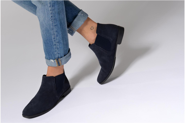 Bottines et boots Tamaris Celeanar Noir vue bas / vue portée sac
