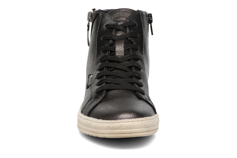 Baskets Dockers Majia Noir vue portées chaussures