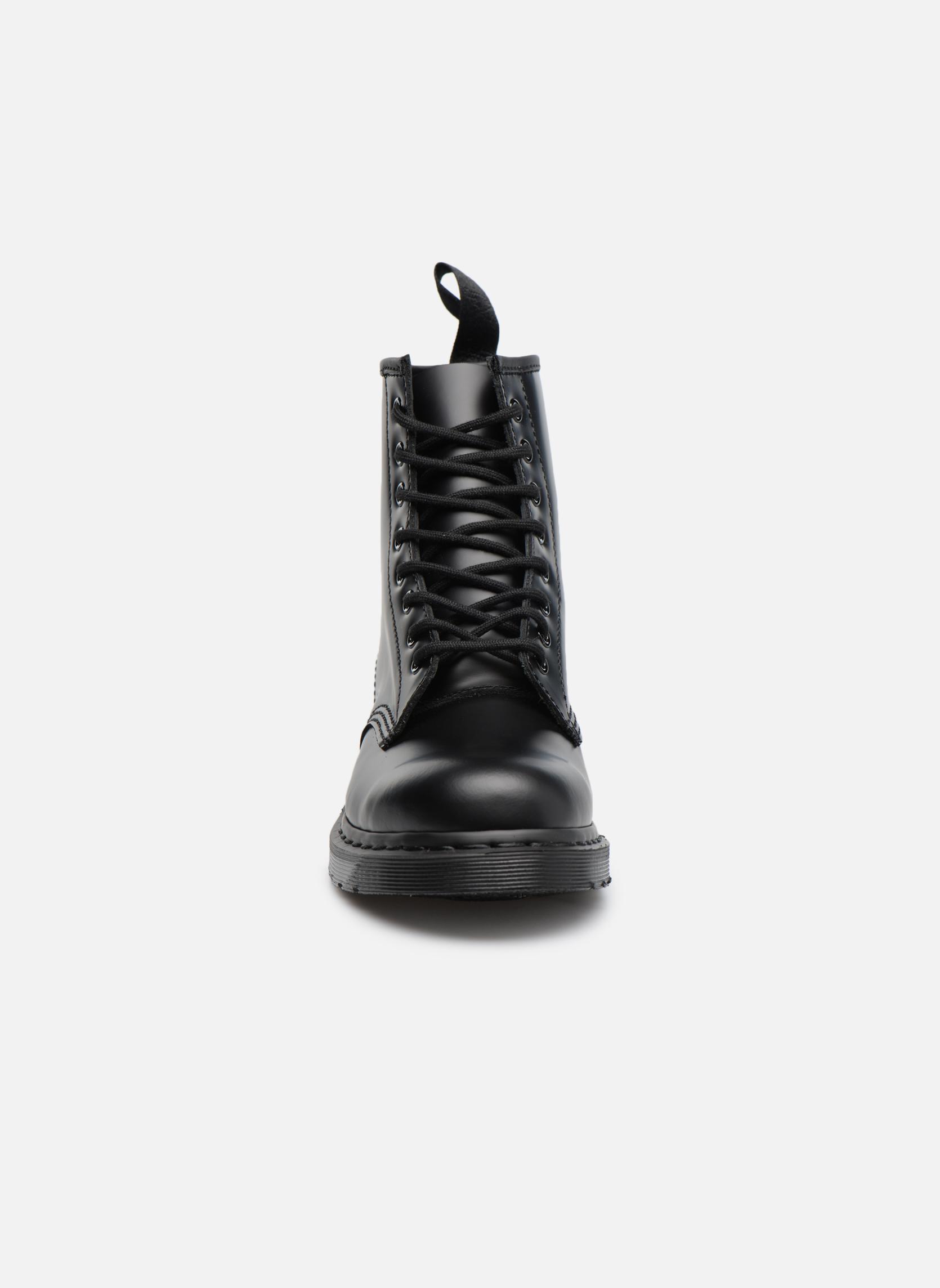 Bottines et boots Dr. Martens 1460 MONO Noir vue portées chaussures