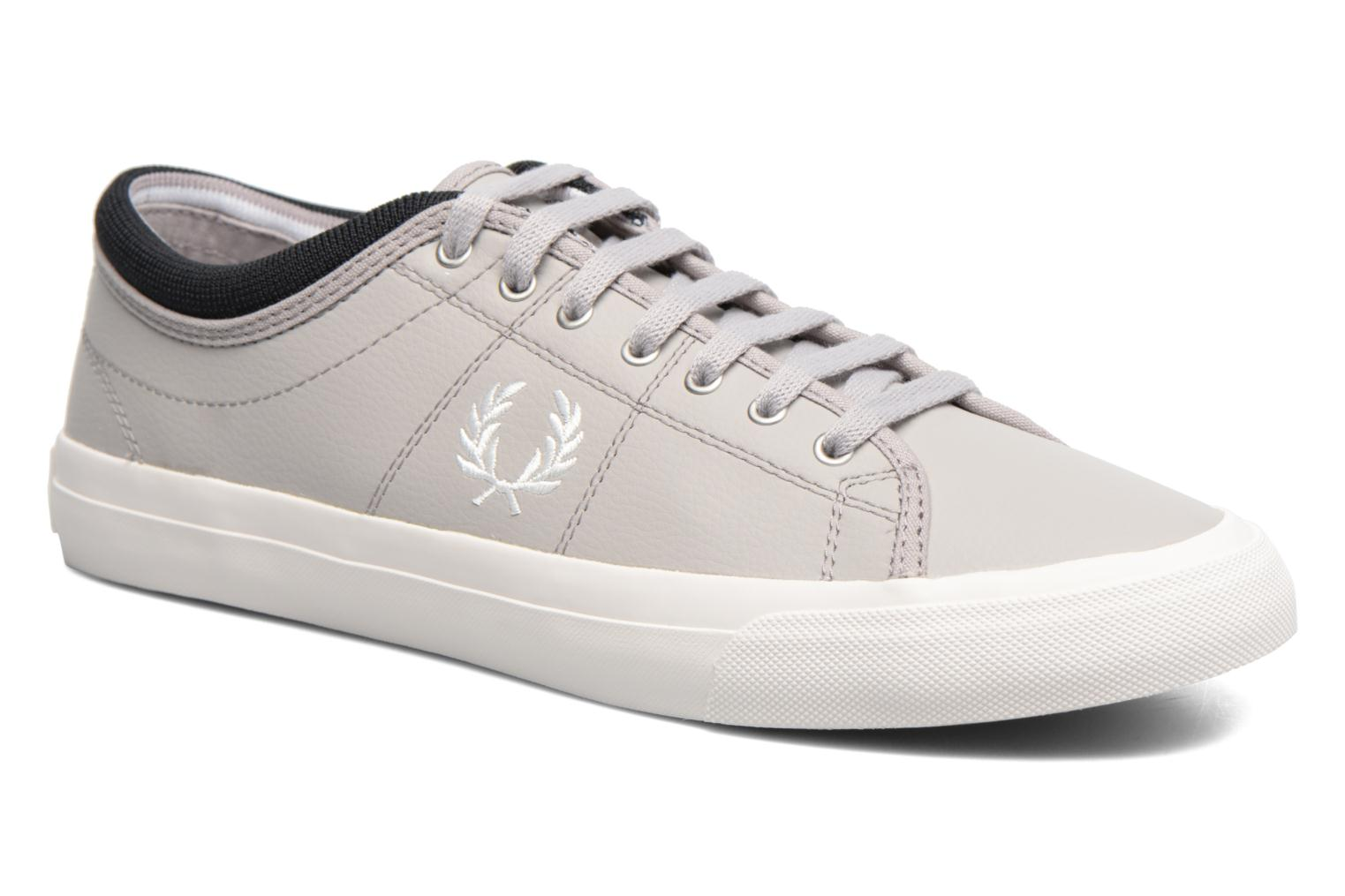 Baskets Fred Perry Kendrick Reversed Tipped Cuff Leather Gris vue détail/paire