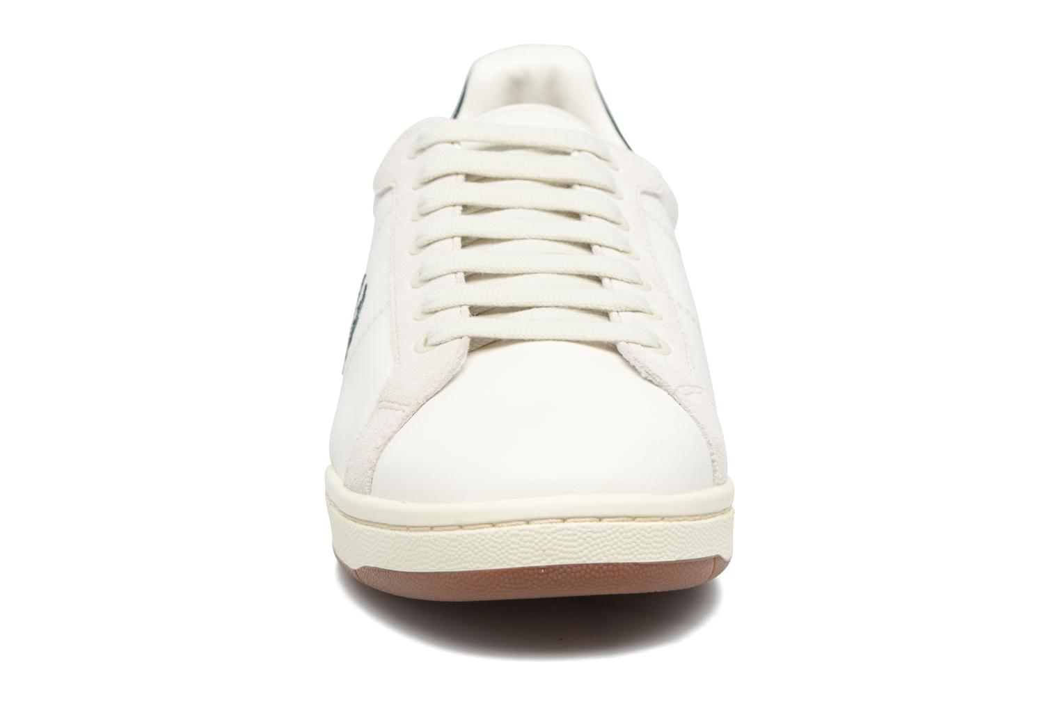 Baskets Fred Perry B722 Blanc vue portées chaussures