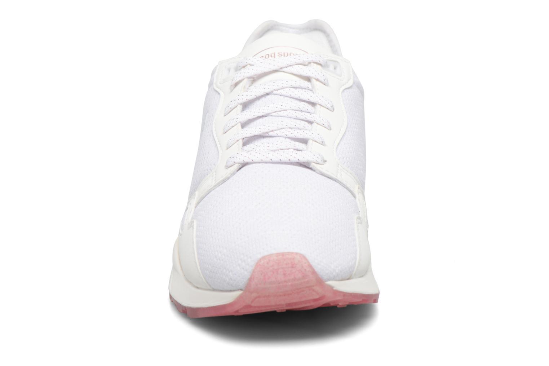 Baskets Le Coq Sportif LCS R9XT Blanc vue portées chaussures