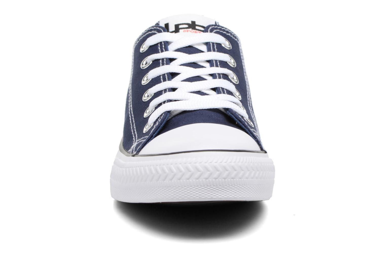 Baskets Les P'tites Bombes Anissa Bleu vue portées chaussures