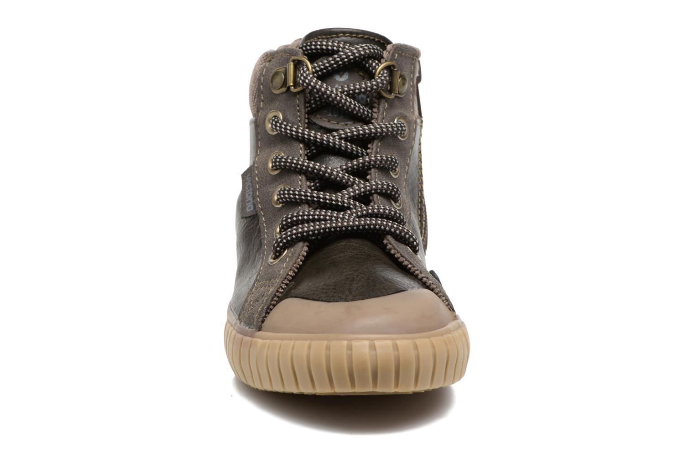 Baskets Victoria Bota Napa Pu Marron vue portées chaussures
